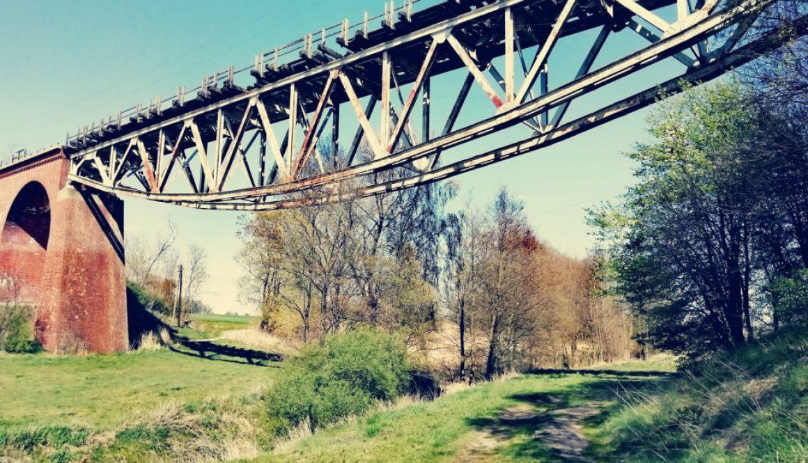 Piękny most kolejowy w Chrzypsku Małym